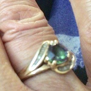 10k gold alexandrite ring